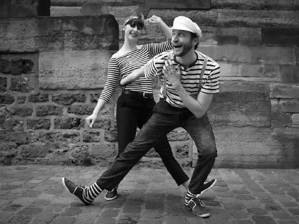 Bastien et Aline dansent le lindy hop