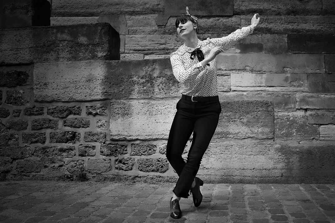 Aline danse le Jazz roots/charleston solo